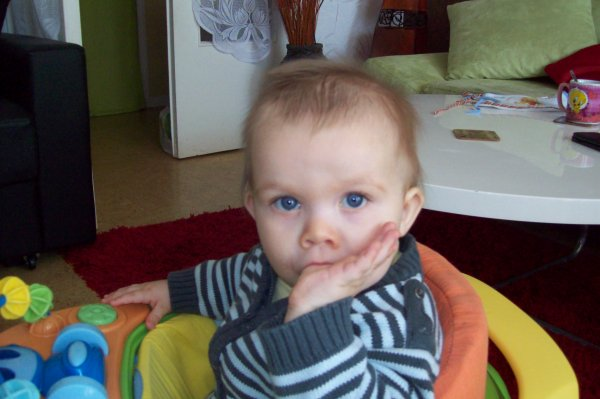 mon petit fils il a de beau yeux mon bou chou