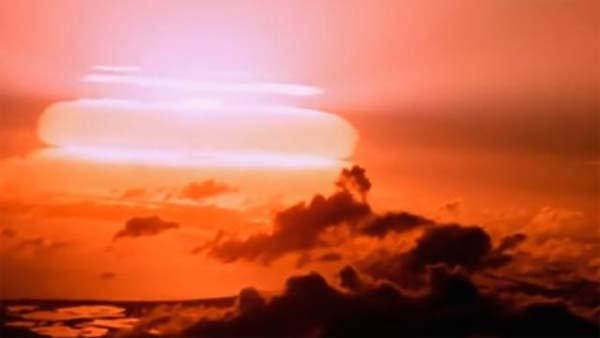 Déclaration Choc: L'Antarctique est un gigantesque système de missiles Nucléaires avec lesquels les scientifiques CONTRÔLENT LE CLIMAT