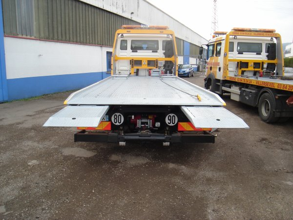 double treuils et rampes hydrolique pour véhicule bas