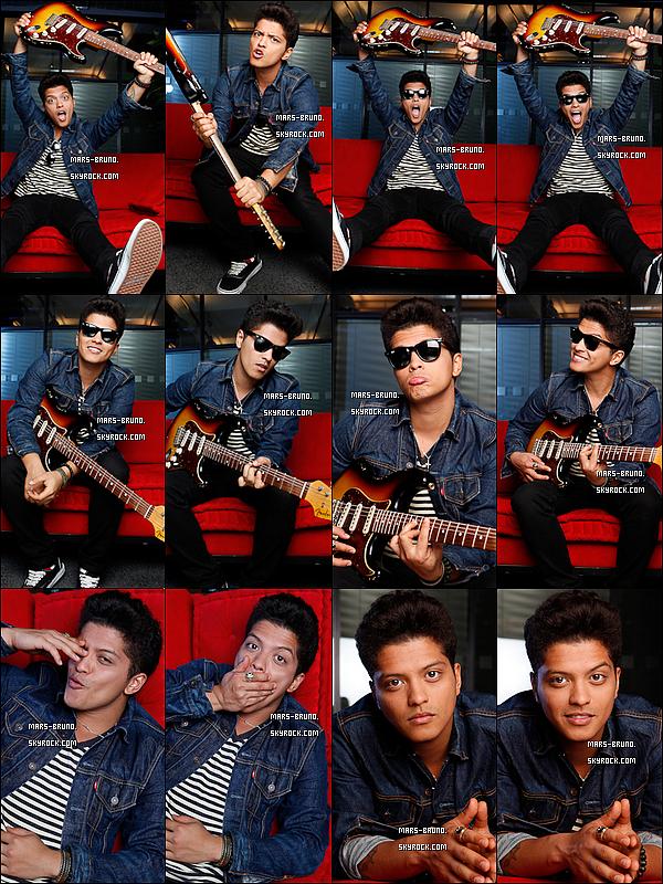 . Voici de nouvelles photos venant d'un ancien photoshoot de Bruno. .