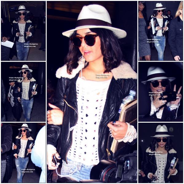 . . News : Vanessa a été vue Mardi 15 Mars a l'aéréoport de L.A avec sa Mère ^^ Mon Avis : Un Beaux TOP ! Et pas un FLOP ! Et toi , Flop ou Top ? . .