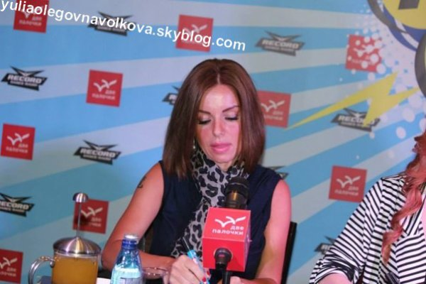 JuliaVolkova at the autograph session in St Petersburg [23.11.2013]