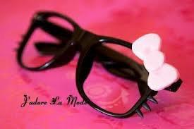 Les lunette hello kitty ^^