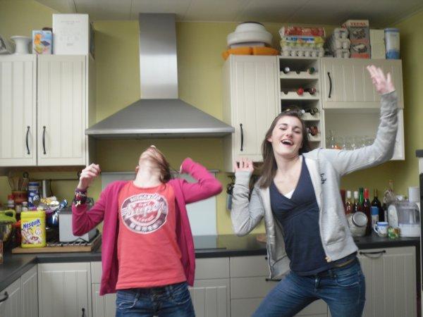 La vie est souvent terne mais les amis la rendent plus belle :)!