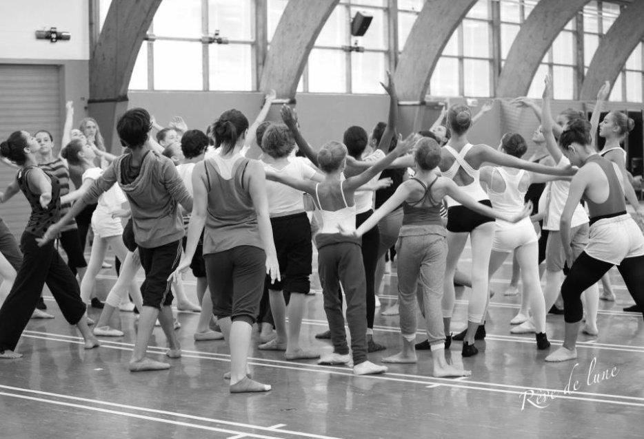 Ce blog partage des images,des vidéos et des conseils sur ma vie. La danse classique!