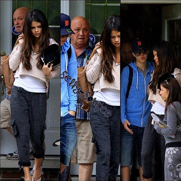 Le 4 juin: Selena toujours avec Justin en ville
