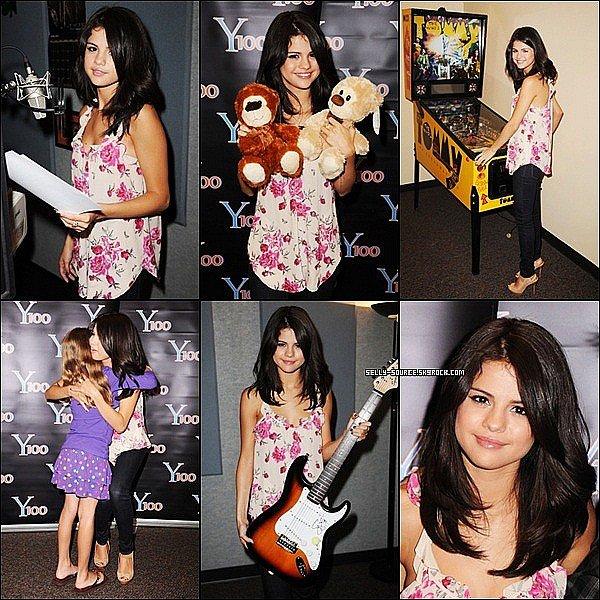 Le 22 juin: Selena été de sortie à la radio Y100