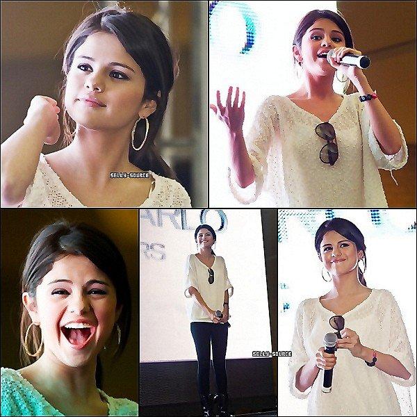 26.06.11  Selena au Monte Carlo Mall Tour: Orland Square Mall