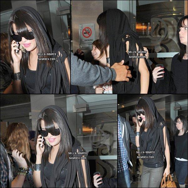06.07.11 Selena au lancement de Disney Channel à Londres.