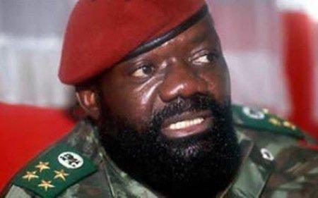 Angola : 1,2 million de dollars de Savimbi découverts sur un compte de Frederick Chiluba