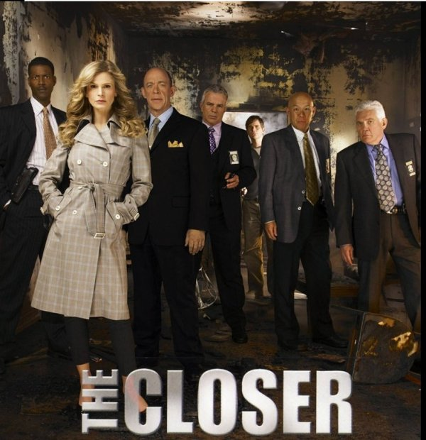 THE CLOSER DONNERA AVANT SA FIN NAISSANCE A SONT SPIN OFF  !!!