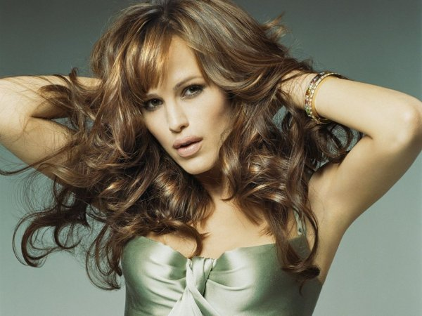 "EXCLU ,   JENNIFER GARNER VA REPRENDRE "" MISS MARPLE ""  !"