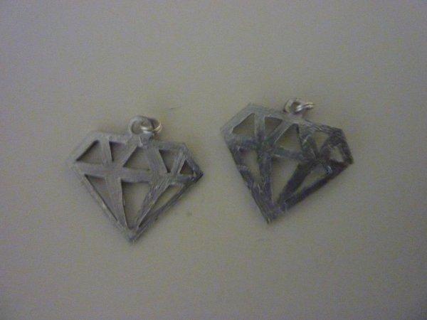 pendentif emo diamant