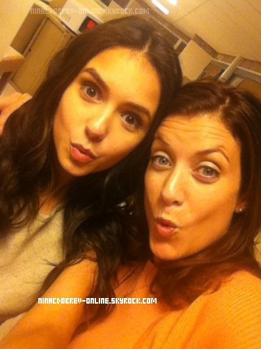 Twitter Time.  Photo de Nina &  Kate Walsh ( Grey's Anatomy   ) posté par Miss Dobrev sur Twitter.