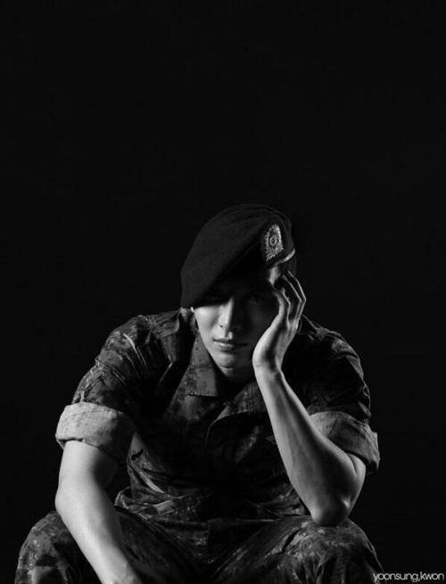 HIM Military Culture Magazine Vol.26 Juin 2013 avec Leeteuk