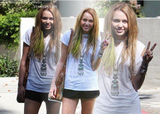 10.10.2010 Miley et une amie à Studio City