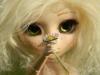 Victoire et sa fleur