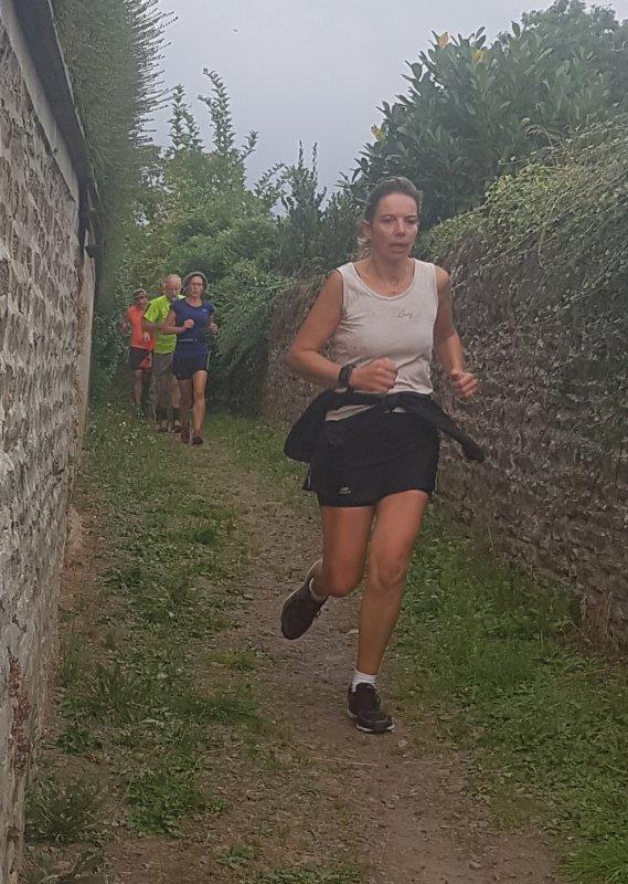 Dimanche 9 septembre 9h30...en route pour le jogging du patrimoine ; une occasion unique que l'on conservera longtemps...