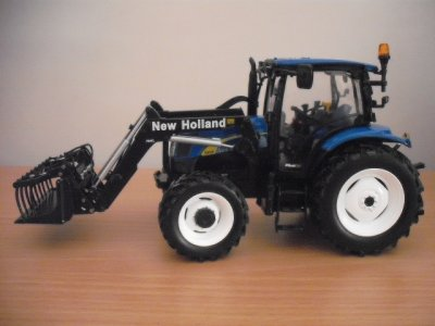 tracteur new holland t 6020 + fourche