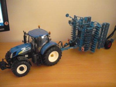 tracteur new holland t 7070 avec déchaumeur lemken
