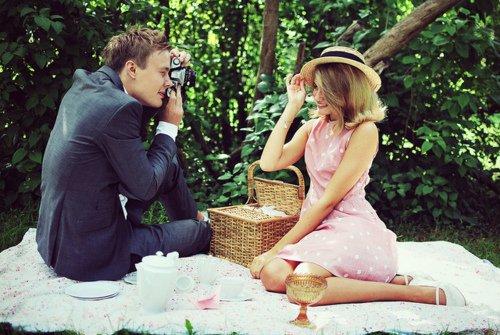 « Il est amoureux de toi, c'est pour ça qu'il te regarde. Parce qu'il ne peut pas détourner les yeux de la femme qu'il aime. »