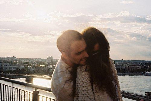Quand on a trouvé quelqu'un qu'on aime autant, on ne renonce pas comme ça. On s'y accroche, on s'investi à fond, on donne tout.