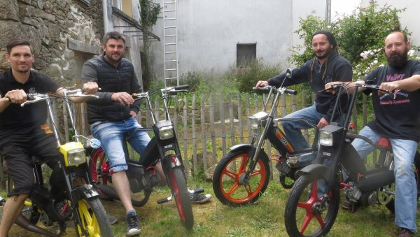 Quatre copains font un aller-retour en Italie, en mob, pour une pizza !