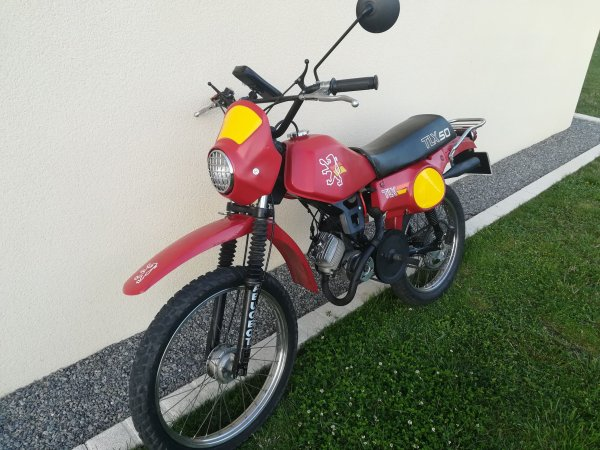 Vendue: Peugeot 50 TLX de 1982