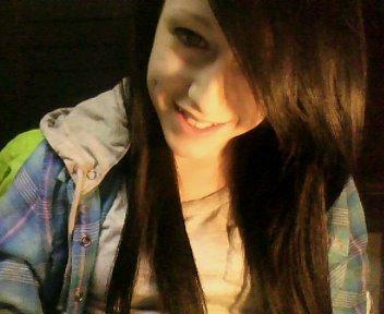 C'est quand tu m'sourie, qu'mon monde arrête de tourner.