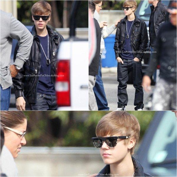 22 Février - Justin Bieber - Twitter et Clip.