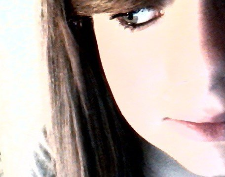 Défois le bonheur ne se résume qu'a une seule personne. [ ♥ ]