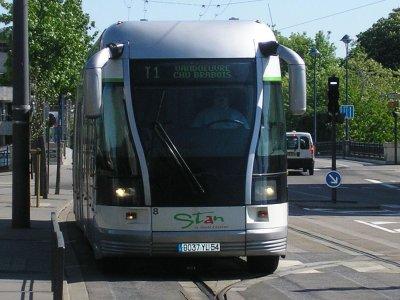 Nancy : Pour la ligne 2 un bus ou un trolley ?