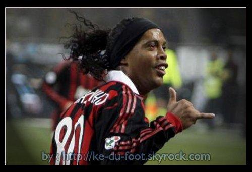 Ronaldo de Assis Moreira -> RONALDINHO