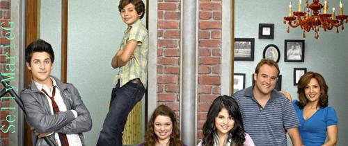 la série Les Sorciers de Waverly Place a gagné son deuxième Emmy Award, dans la catégorie OUTSTANDING CHILDREN'S PROGRAM + Selena laisse un message sur son facebook