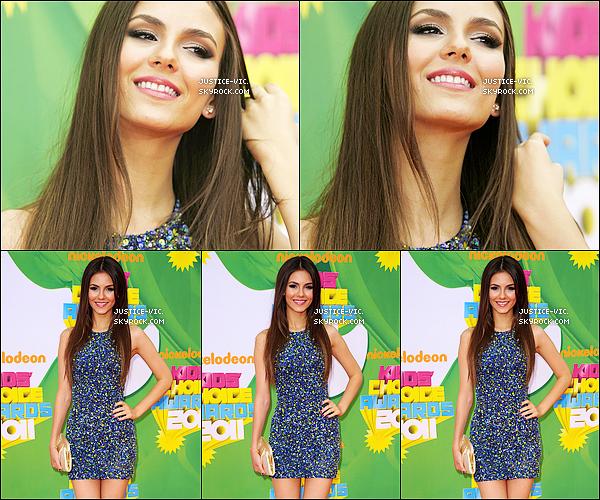 * 02/04/11 Victoria était présente à la cérémonie des Kids' Choice Awards 2011.  *