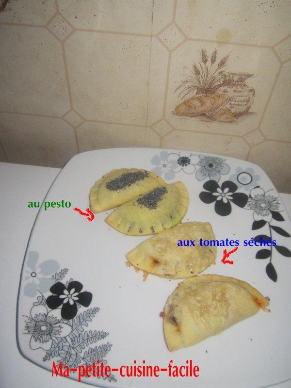 Chaussons au pesto et chaussons au tomates séchées