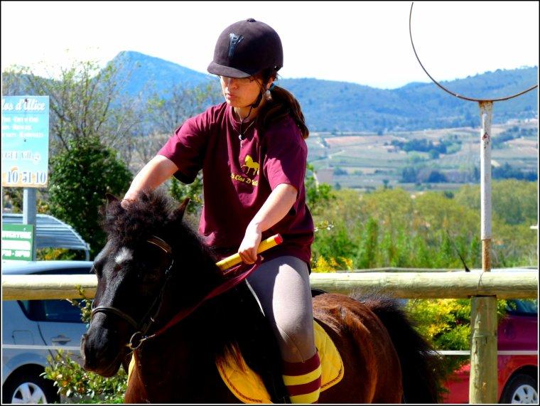 Lucile & Férié, pony-gameurs.