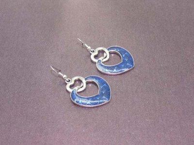 Boucles d'oreilles métal argenté ton mat sur dormeuses couleur