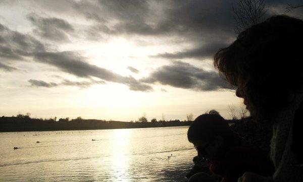 """""""Tout début ont une fiin"""". Les mauvaise comme les plus belle Histoires' ont elle aussi leur fiin. Vous savez ces Histoires qui devraient ne jamais s'arrêter, qui devrais se prolonger indéfiniment'. Ces Histoires courte d'un soir, d'un été ou tout simplement d'une année. Ces Histoires, qui vous font pleurer, vous donne le sourire', vous font évader dans un monde secret, vous font rêver encore et encore. Celles dont les souvenir sont marqués par des Moments capturer, que vous ressortez quand l'envie de revivre ces instants est  trop Grande' . Mais au fond a chaque fin d'histoire, On s'attend a ce que la nouvelle soit encore plus belle . . . C'est Le début d'une nouvelle ère ."""
