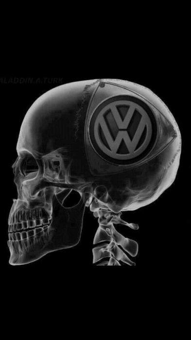 Rien dans l'crâne, tout dans la plastique