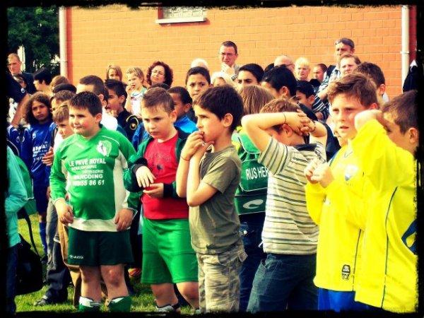 (l) ici des photos du tournoi au foot (l)
