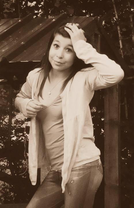 Je suis peut-être pas belle mais comparé à d'autre fille je suis pas une salope ;)