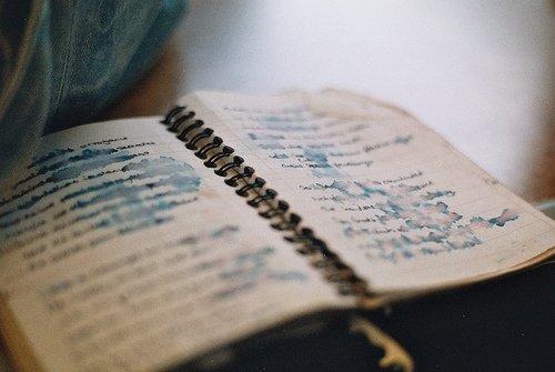 Ecrire, c'est s'approcher au plus près de certaines brûlures.