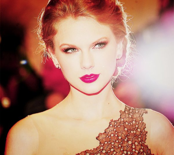 Welcome.  We love Taylor Swift. ♥