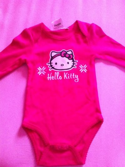 Pyjama et body bébé Hello kitty , kiabi