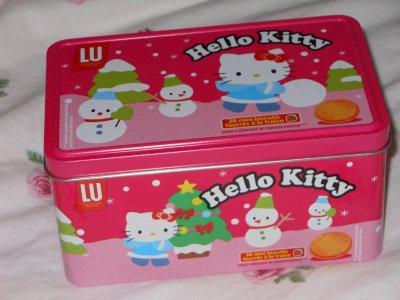 boite à gateaux , gel pour les mains et gel douche Hello kitty