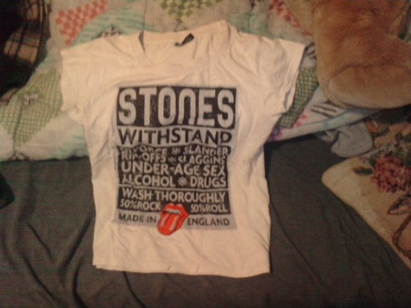 Article 02 -- t-shirt The rolling stones