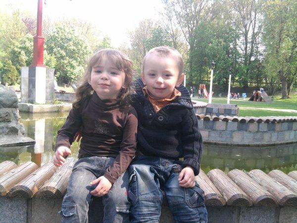 mon fils avec sa cousine