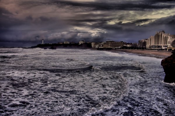 La grande plage avant la tempête.