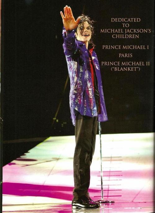 Je vous souhaitez la bienvenue dans le domaine nommé Michael Jackson le king of pop peter pan(i can not grow)